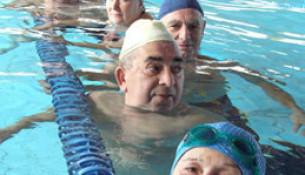 Comezan os cursos de natación en Santa Isabel