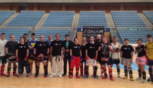Máis de vinte persoas participan no seminario de Kick Boxing