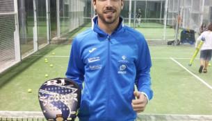 O instructor de pádel e tenis das instalacións Jacobo Pérez, número 9 de Galicia