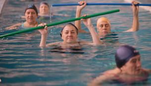 El 1 de octubre empiezan los cursillos de natación y reabre la piscina Fontes do Sar